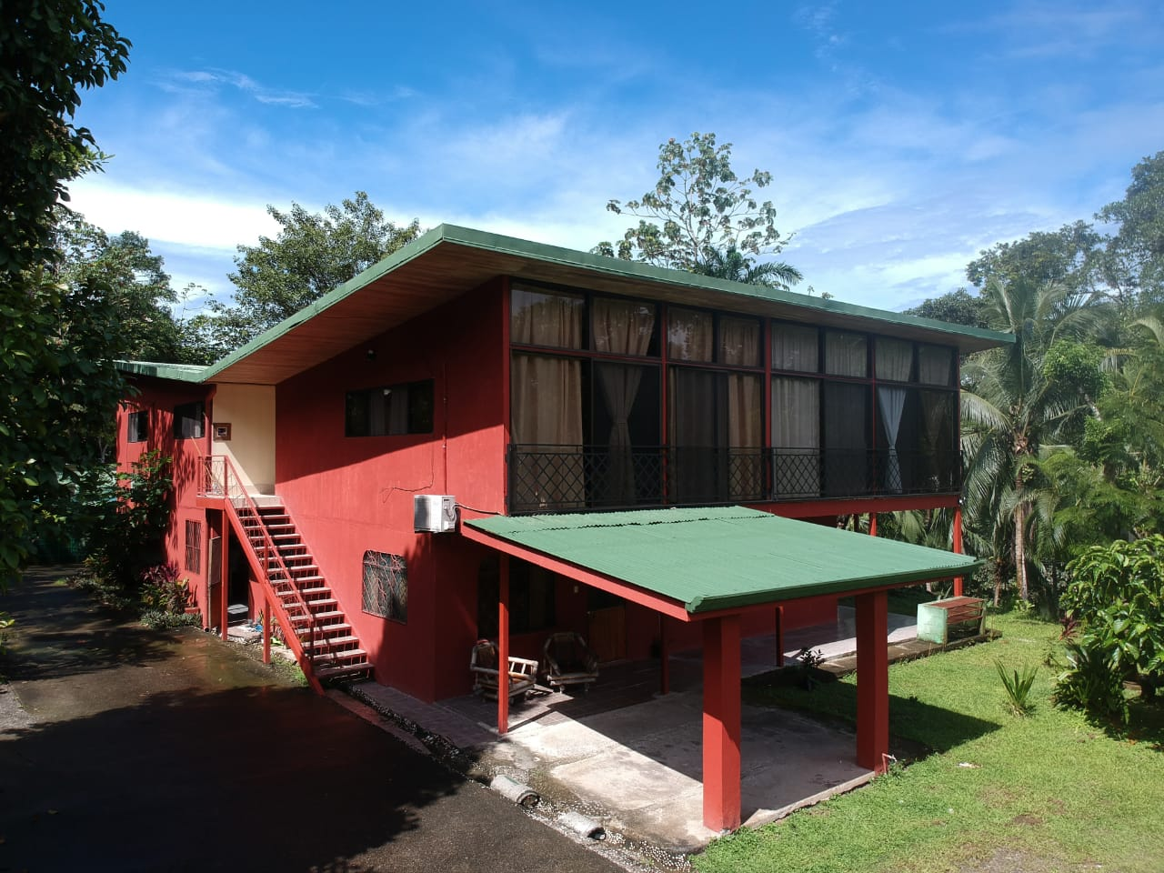 7 Apt Building For Sale