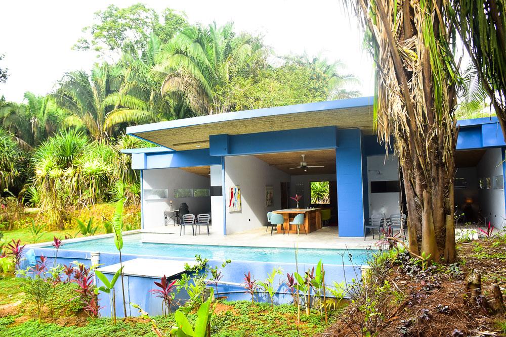blue-house-3